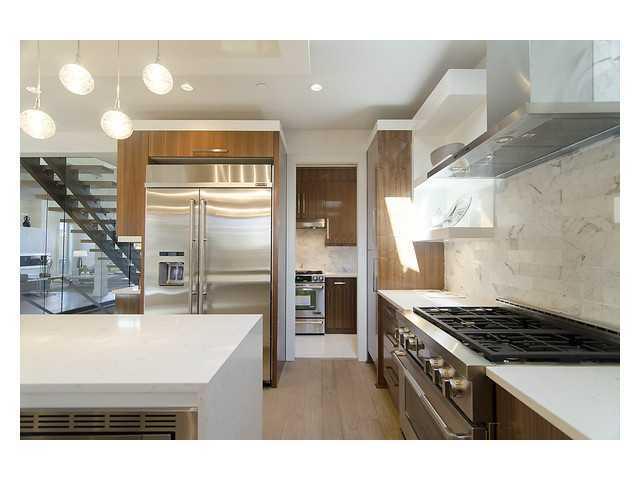 1450 fulton Ave kitchen