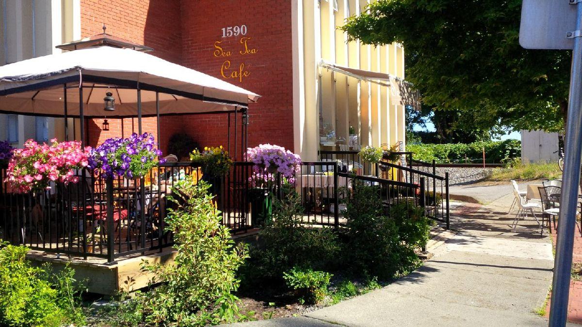 The Sea Tea Cafe West Vancouver - patio