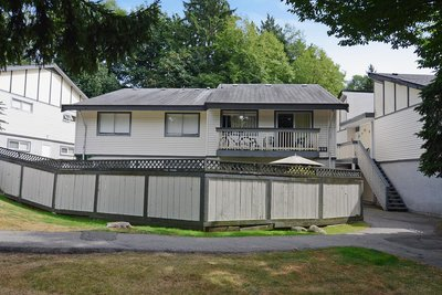 Lynnmour Townhouse for sale: EDGEWOOD Estates 3 bedroom 1,160 sq.ft. #80- 1036 Premier Street