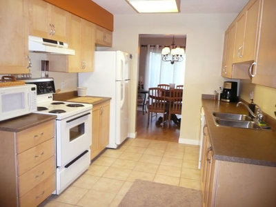 EAST ABBOTSFORD Townhouse for sale: MOUNTAIN VIEW VILLAGE 3 bedroom 1,383 sq.ft.