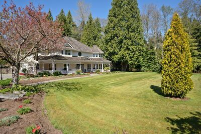 Elgin Chantrell House with Acreage for sale:  6 bedroom 4,947 sq.ft. (Listed 2021-04-21)