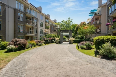 King George Corridor Apartment/Condo for sale:  2 bedroom 1,062 sq.ft. (Listed 2021-07-20)