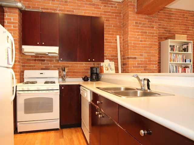 #706-518 Beatty Street - Kitchen - Crosstown Vancouver Lofts