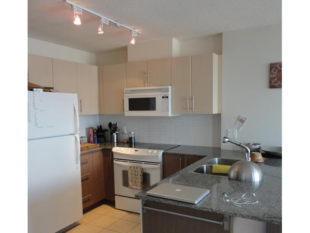 2205 - 550 taylor st kitchen 2.jpg