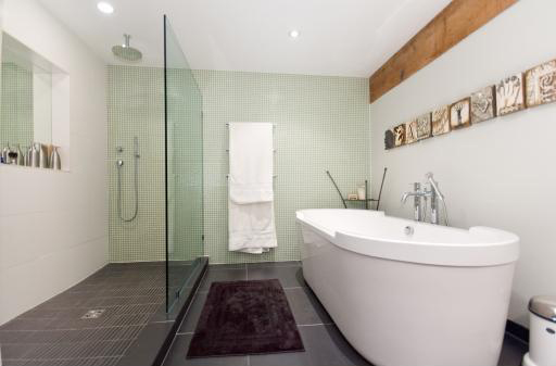 550 Beatty St (Five Fifty) - Bathroom by Jay McInnes