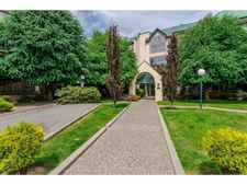 Abbotsford West Condo for sale:  1 bedroom 789 sq.ft. (Listed 2018-11-01)