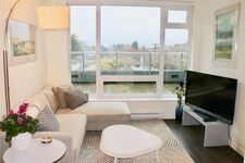 Collingwood VE Apartment/Condo for sale:  2 bedroom 763 sq.ft. (Listed 2020-12-15)