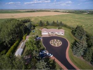 Near Airdrie House for sale:  3 bedroom 2,798 sq.ft. (Listed 2017-08-24)