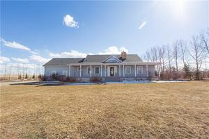 None House for sale:  3 bedroom 1,823 sq.ft. (Listed 2019-04-24)