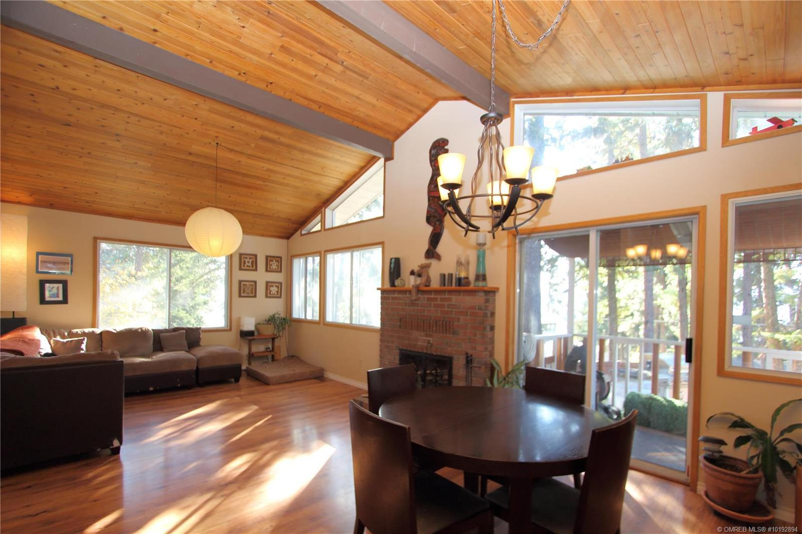 Peachland House for sale: 4 bedroom 2,480 sq.ft. (Listed 2019-10-17)