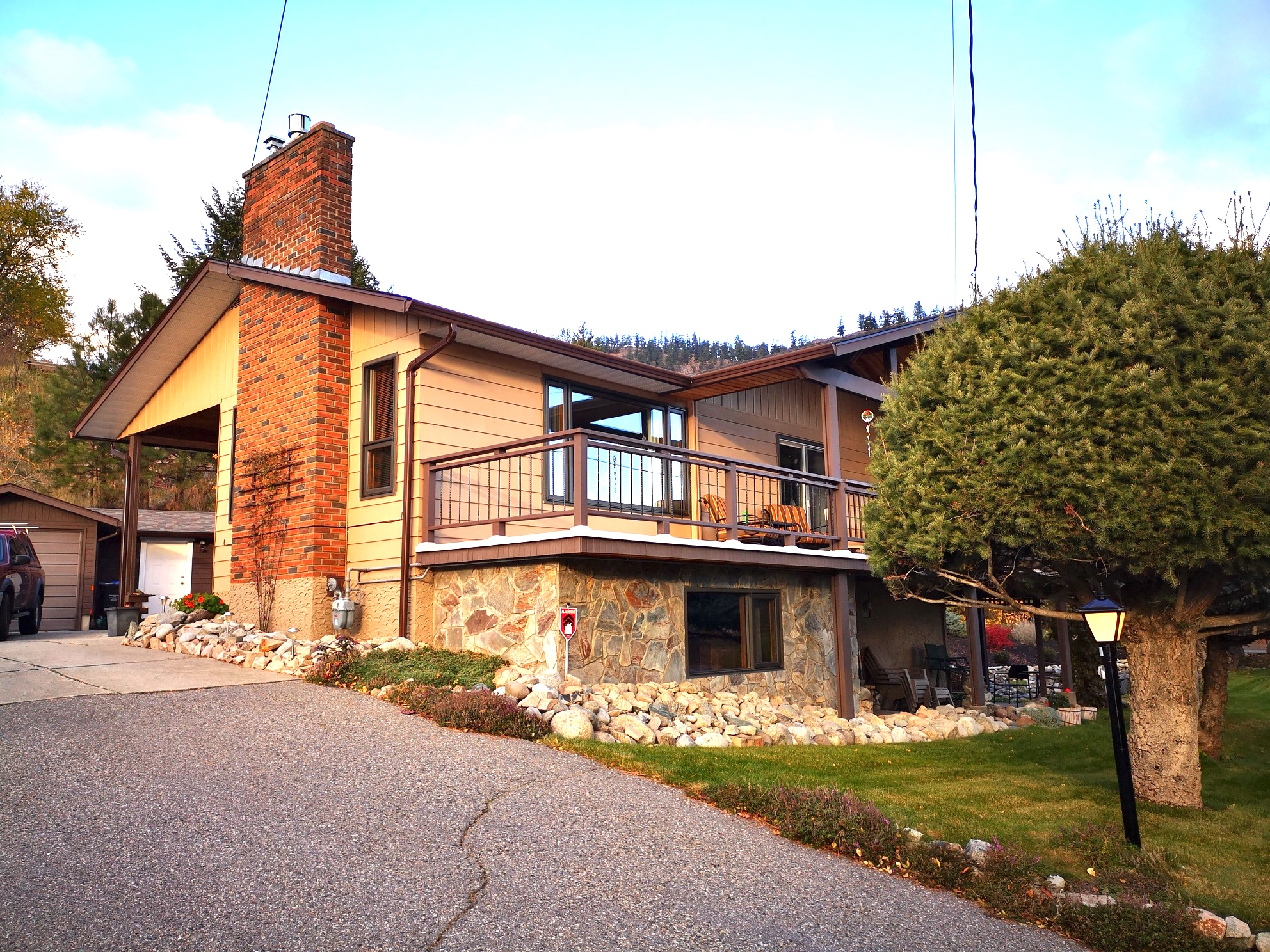 Peachland House for sale: 3 bedroom 2,361 sq.ft.