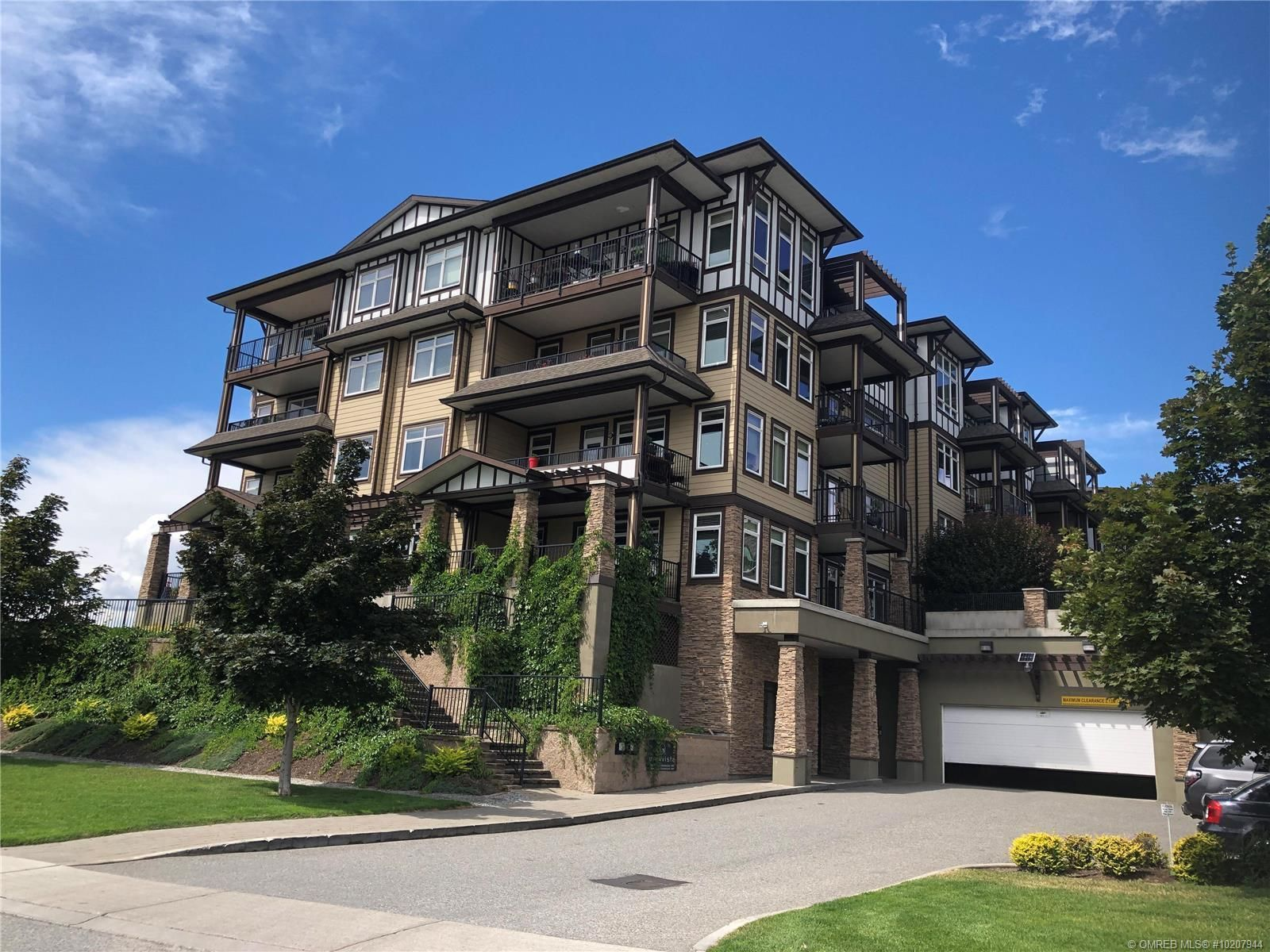 Westbank Apartment for sale:  2 bedroom 1,102 sq.ft. (Listed 2020-06-17)