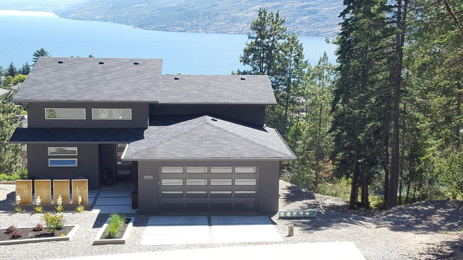 Peachland House for sale: Sunrise Estates 4 bedroom 3,072 sq.ft. (Listed 2021-03-30)