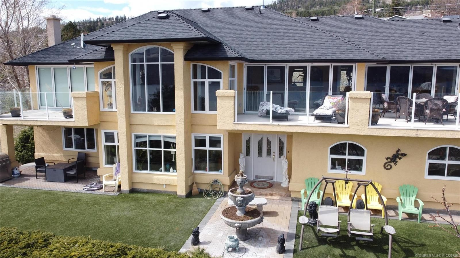 Peachland House for sale: 6 bedroom 4,862 sq.ft. (Listed 2021-04-15)
