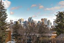 Hounsfield Heights/Briar Hill Condo for sale:  1 bedroom 566 sq.ft. (Listed 2019-08-02)