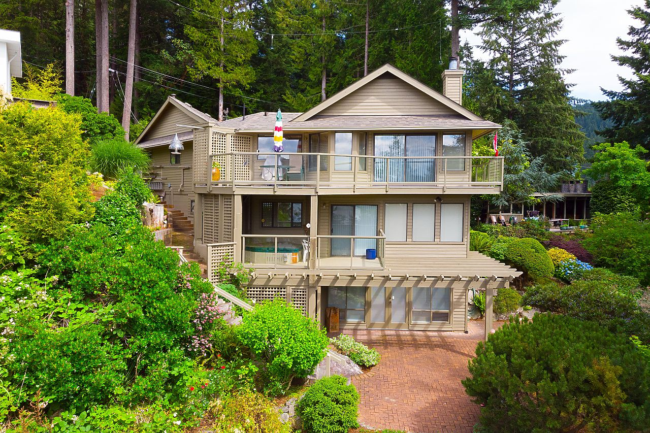 Horseshoe Bay House - An incredibly rare 1/4 acre property, with magnificent SW Ocean