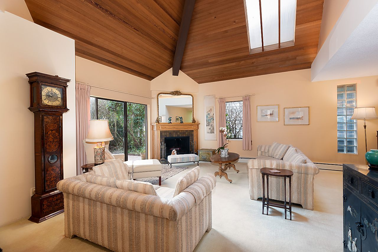 Sentinel Hill House for sale:  4 bedroom 3,372 sq.ft. (Listed 2021-01-30)