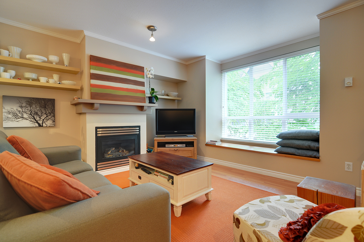 Lynn Valley Townhouse for sale:  2 bedroom 1,012 sq.ft. (Listed 2012-06-07)