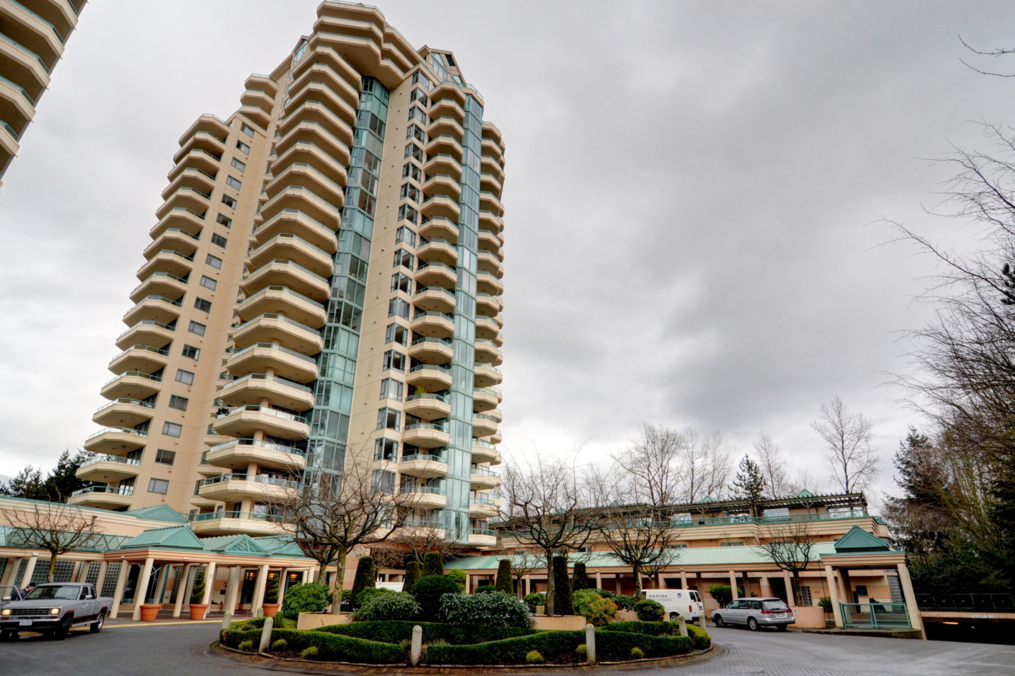 Park Royal Apartment for sale: Westroyal 2 bedroom 1,291 sq.ft.