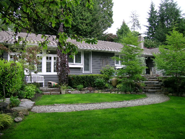 West Vancouver House for sale: 4 bedroom 2,400 sq.ft.