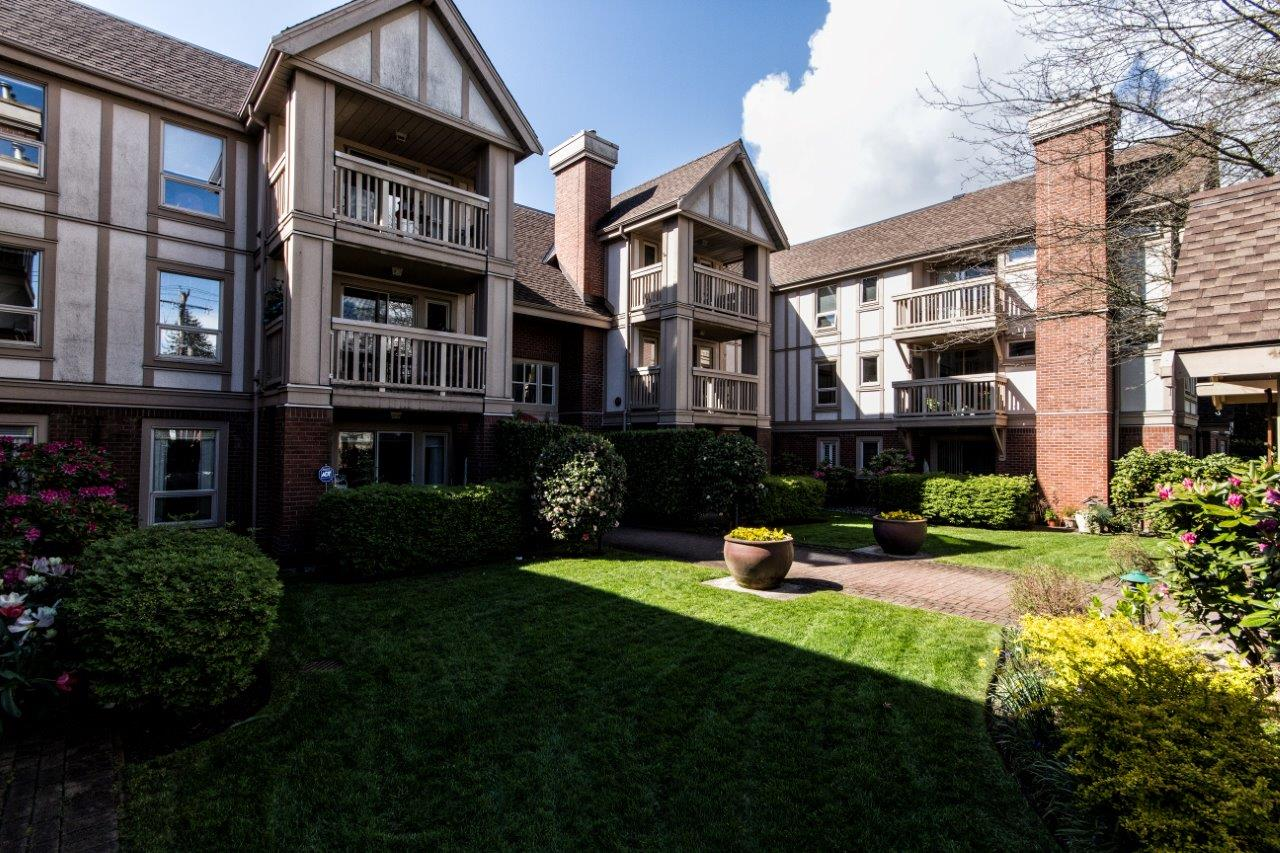Dundarave West Vancouver Condo for sale: 2 bedroom 960 sq.ft.