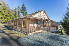 Thetis Island Orchard House 16 acres with View for sale:  6 bedroom 4,252 sq.ft. (Listed 2018-11-19)