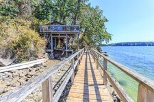 Thetis Island Own Your Own Island for sale:  2 Bdrs & sleeping cabin/boathouse 1,500 sq.ft. (Listed 2020-07-27)