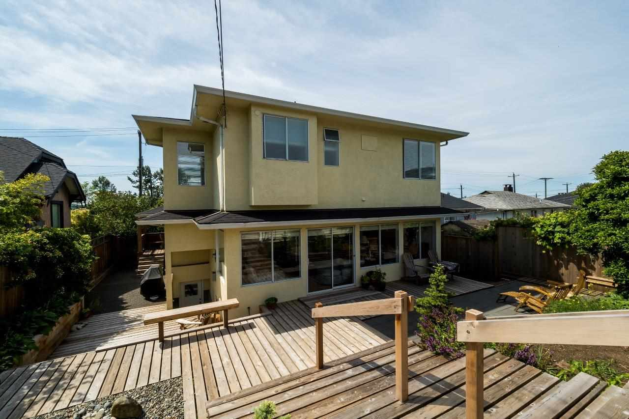 Queensbury House for sale:  3 bedroom 3,419 sq.ft. (Listed 2016-06-01)