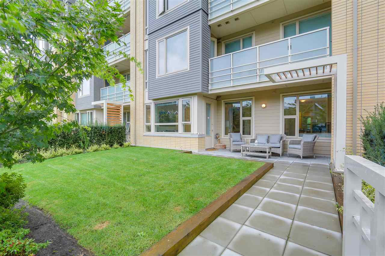 Lynn Valley Condo for sale:  2 bedroom 862 sq.ft. (Listed 2016-09-19)