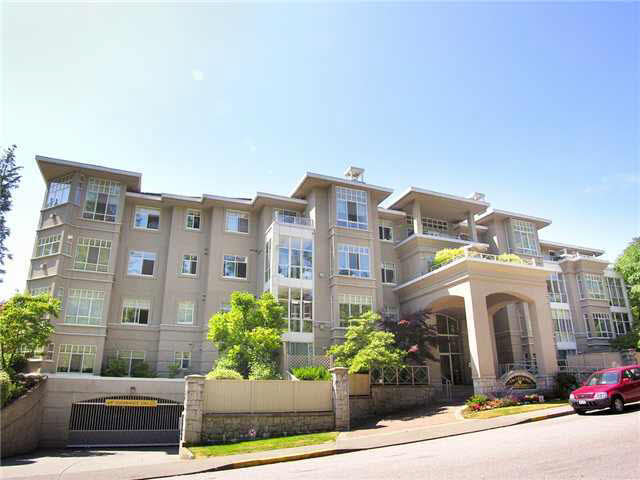 Roche Point Apartment for sale: The Legend 2 bedroom 893 sq.ft. (Listed 2017-03-28)