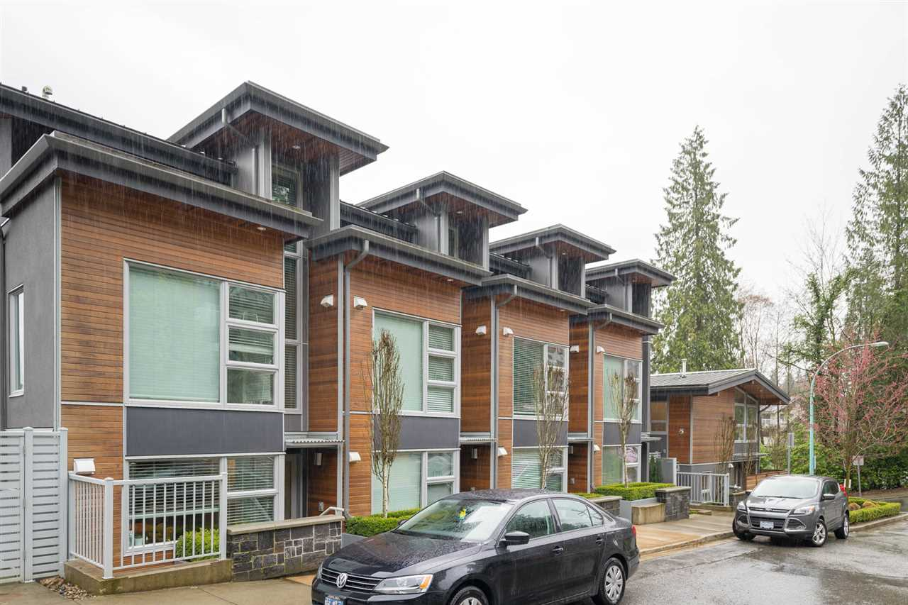 Deep Cove Condo for sale: Cove Gardens 2 bedroom 1,125 sq.ft. (Listed 2018-04-09)