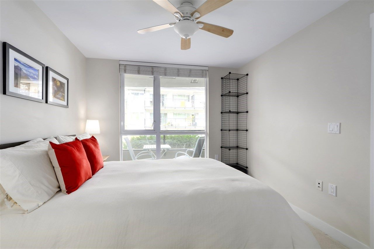 Lower Lonsdale Apartment/Condo for sale:  1 bedroom 656 sq.ft. (Listed 2020-12-05)