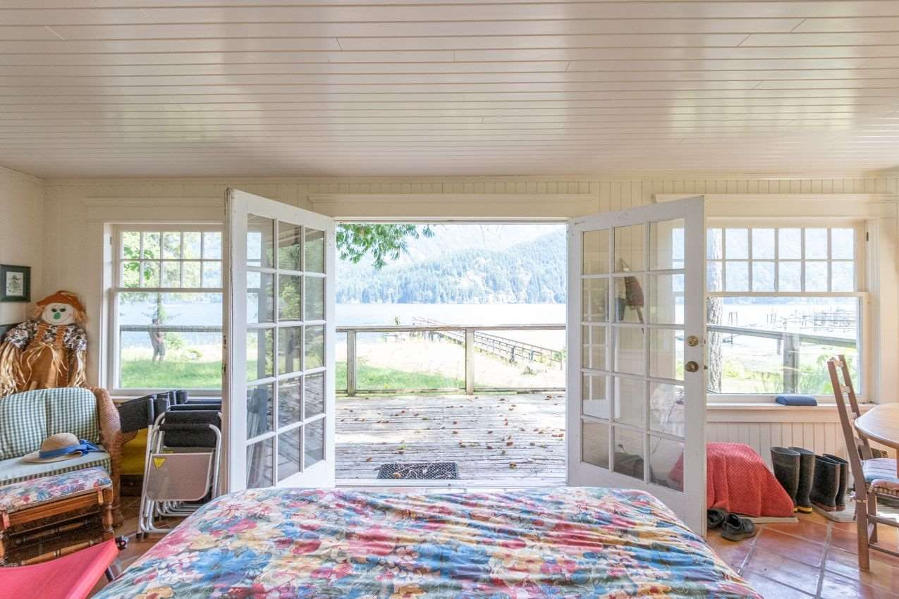 Indian Arm House with Acreage for sale:  1 bedroom 600 sq.ft. (Listed 2020-12-11)