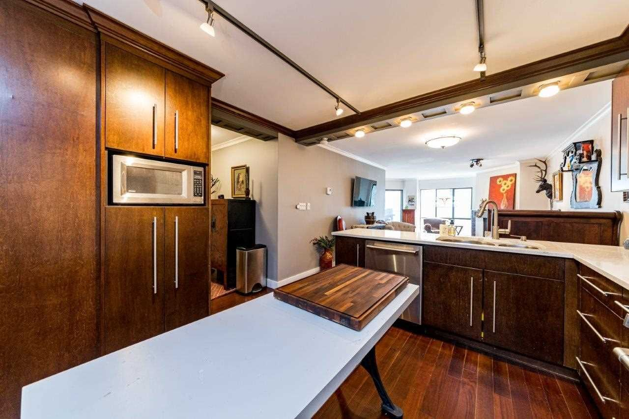 Deep Cove Apartment/Condo for sale:  2 bedroom 1,101 sq.ft. (Listed 2021-03-03)