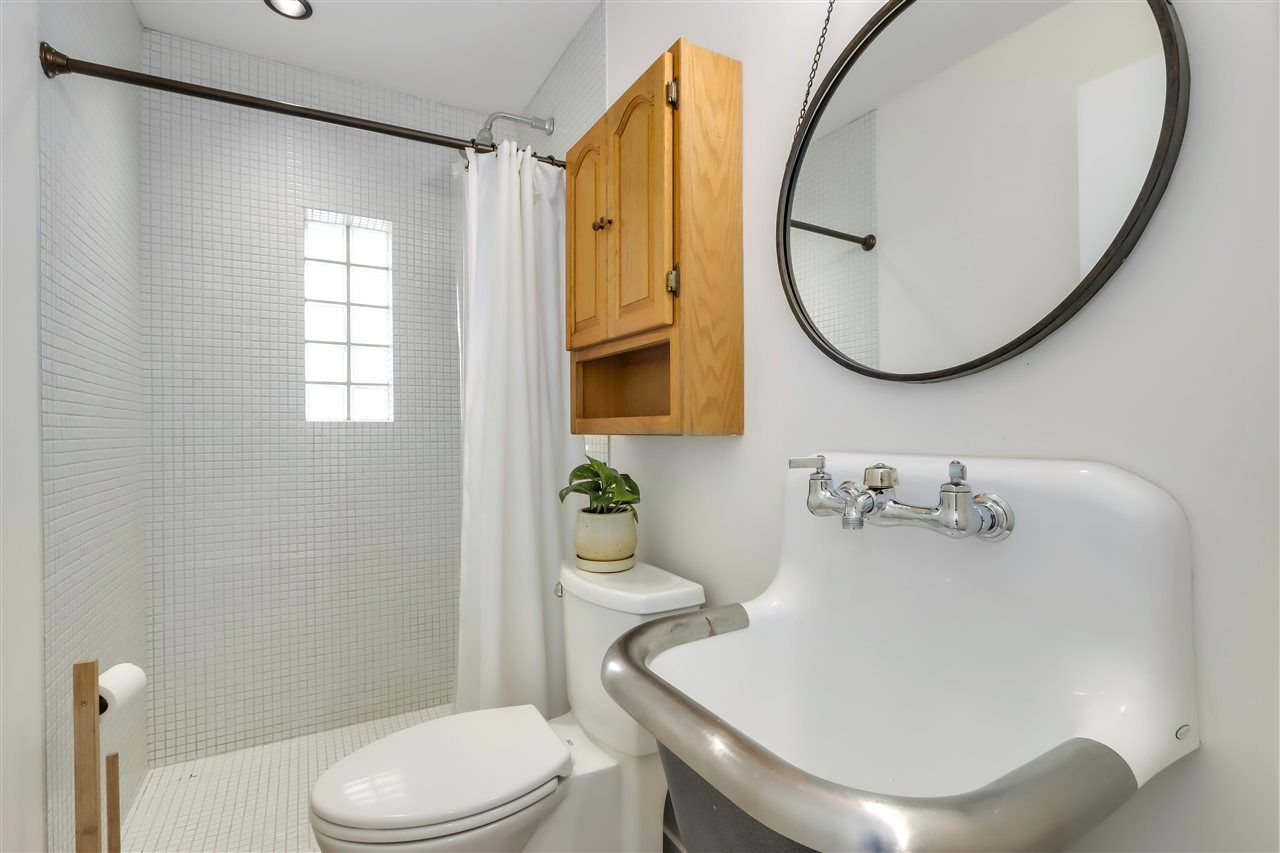 Deep Cove House/Single Family for sale:  3 bedroom 1,988 sq.ft. (Listed 2021-04-24)