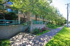 Glenwood PQ Condo for sale:  2 bedroom 995 sq.ft. (Listed 2013-07-09)