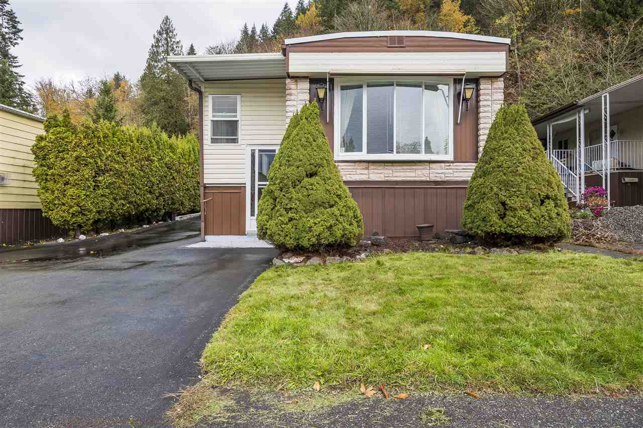 Chilliwack River Valley Manufactured home for sale:  2 bedroom 924 sq.ft. (Listed 2018-11-15)