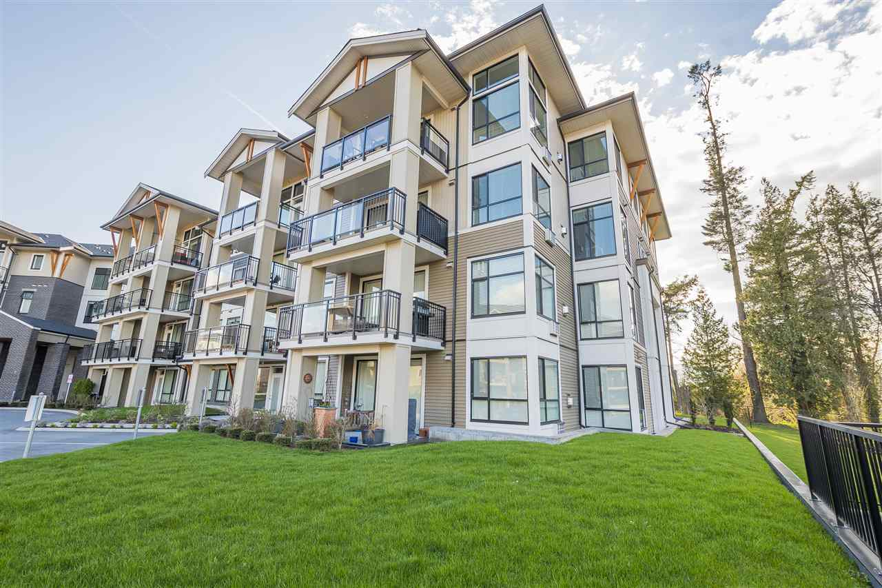Sardis East Vedder Rd Condo for sale:  1 bedroom 737 sq.ft. (Listed 2019-04-05)