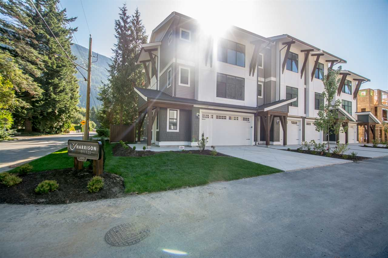 Harrison Hot Springs Townhouse for sale:  3 bedroom 1,675 sq.ft. (Listed 2019-11-07)