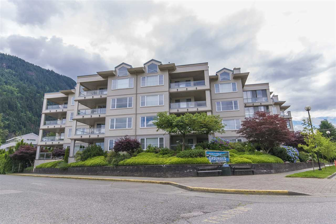Harrison Hot Springs Condo for sale:  2 bedroom 1,356 sq.ft. (Listed 2020-01-25)