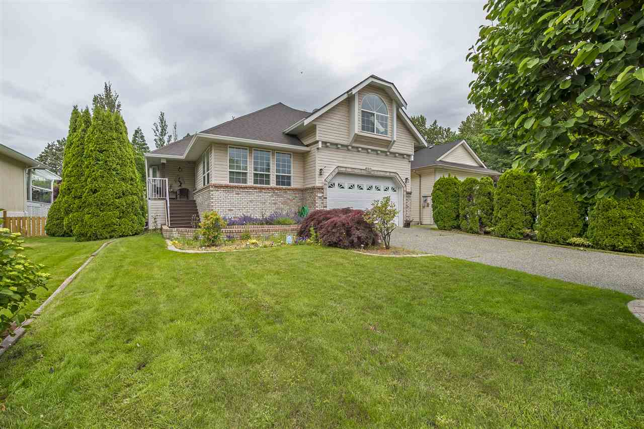Harrison Hot Springs House for sale:  3 bedroom 1,879 sq.ft. (Listed 2020-03-11)