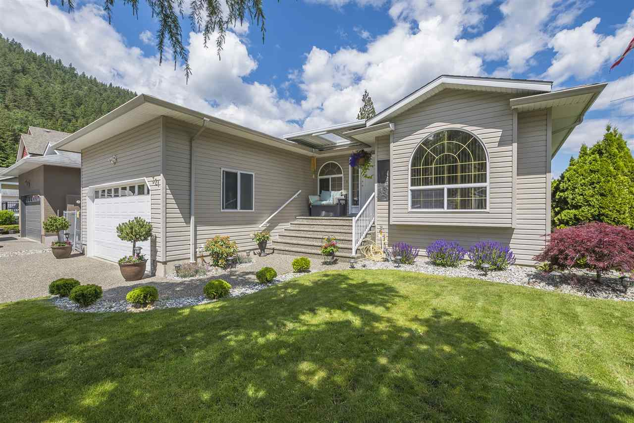Harrison Hot Springs House for sale:  3 bedroom 1,590 sq.ft. (Listed 2020-03-13)