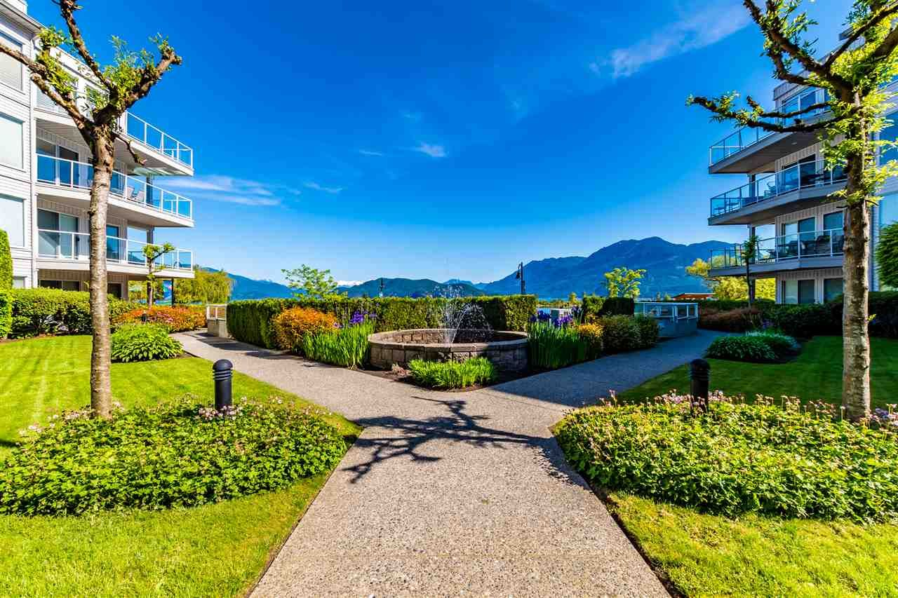 Harrison Hot Springs Apartment/Condo for sale:  3 bedroom 2,088 sq.ft. (Listed 2020-06-11)