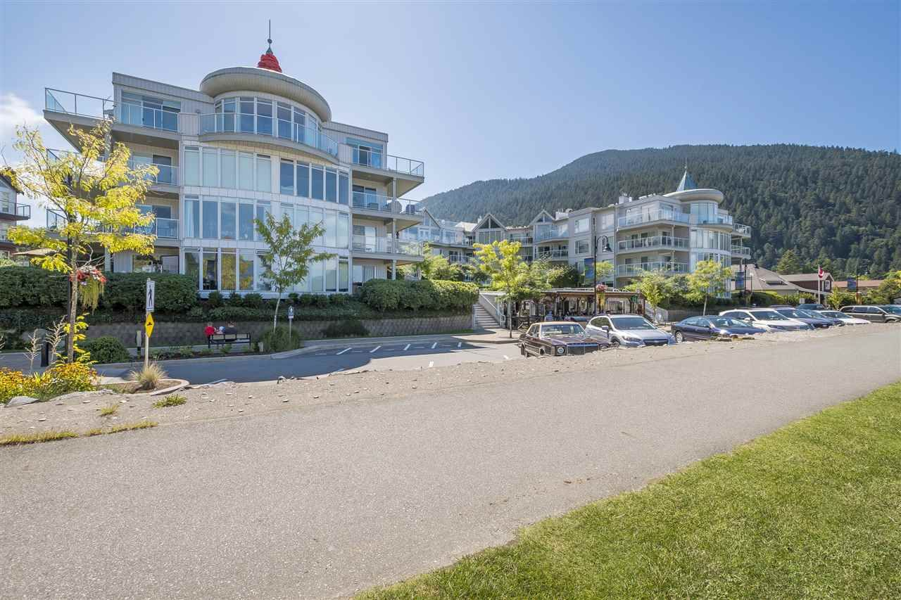 Harrison Hot Springs Apartment/Condo for sale:  1 bedroom 678 sq.ft. (Listed 2021-03-01)