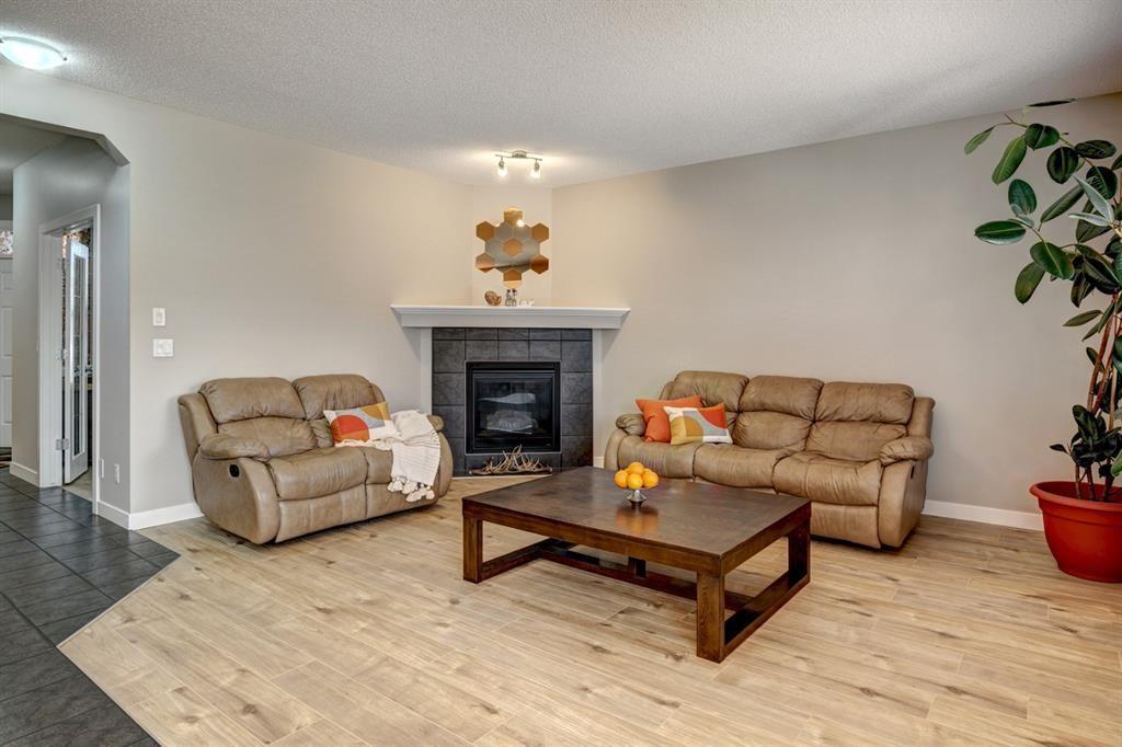 Silverado Detached for sale:  3 bedroom  Stainless Steel Appliances, Granite Countertop, Tile Backsplash, Laminate Floors, Plush Carpet 2,245.35 sq.ft. (Listed 2021-05-30)