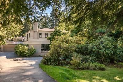 British Properties 438 Stevens Drive 8 bedroom 2 separate residences