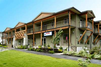 Pemberton Condo for sale:  2 bedroom 820 sq.ft. (Listed 2017-12-06)