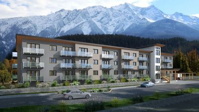 Pemberton Condo for sale:  3 bedroom 872 sq.ft. (Listed 2019-01-31)