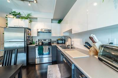Pemberton Condo for sale:  1 bedroom 580 sq.ft. (Listed 2019-04-22)