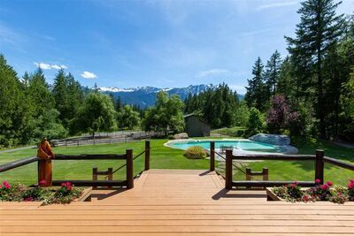 Owl Ridge House with Acreage for sale:  5 bedroom 4,350 sq.ft. (Listed 2020-08-26)